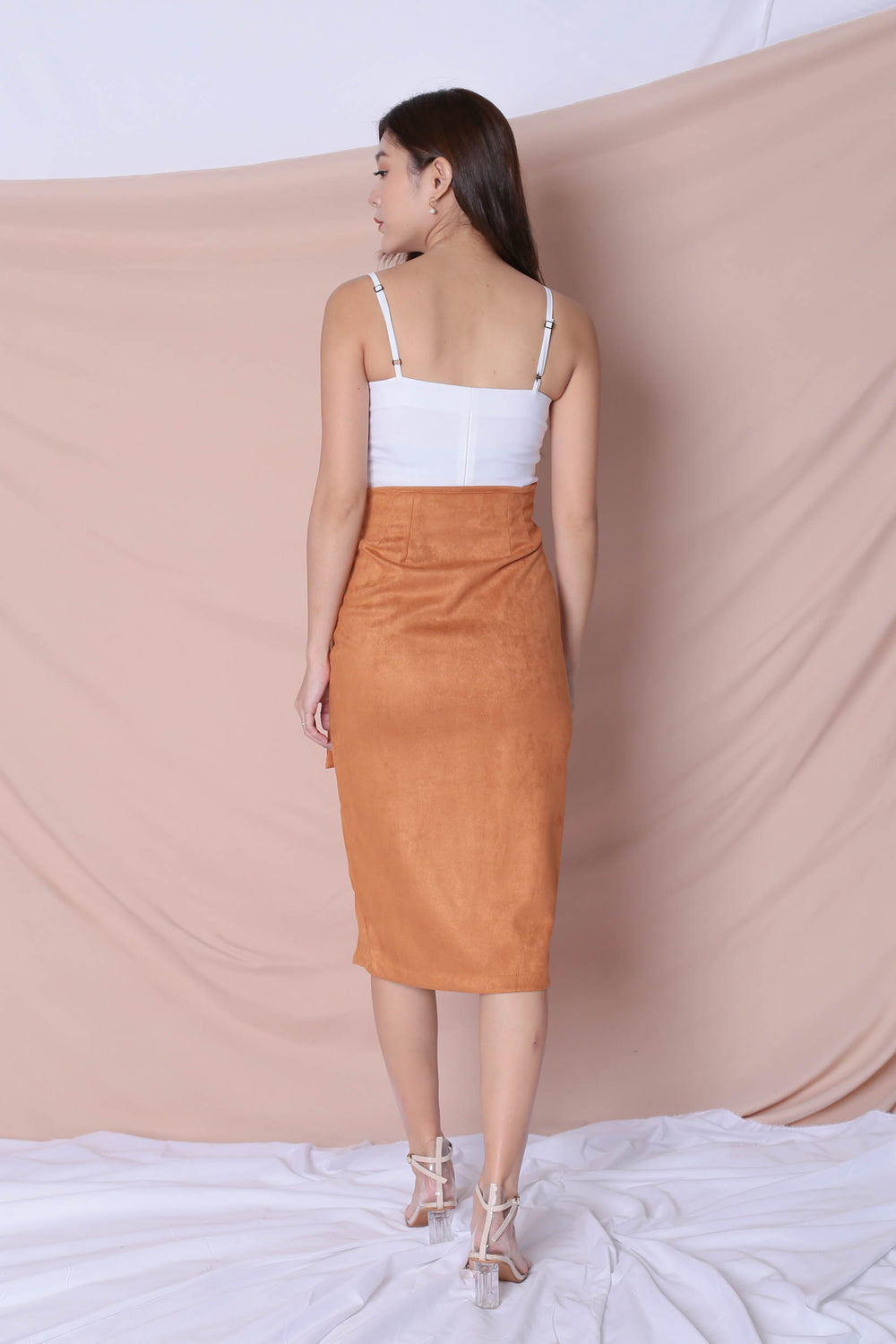 RAYLA SUEDE SKIRT IN CAMEL - TOPAZETTE