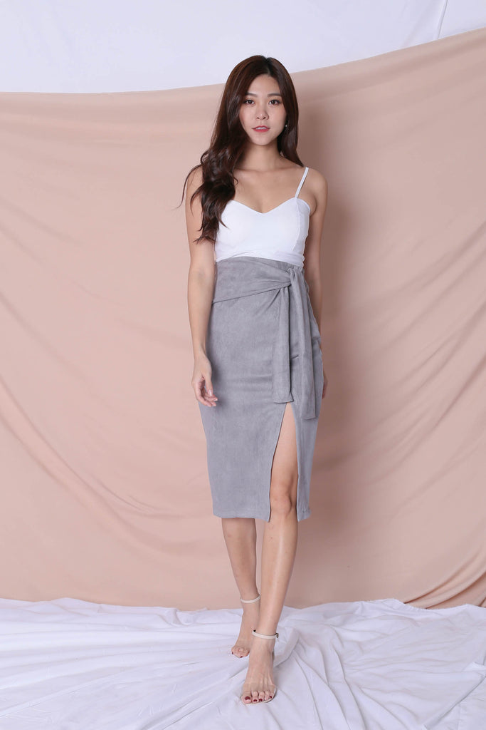 RAYLA SUEDE SKIRT IN GREY