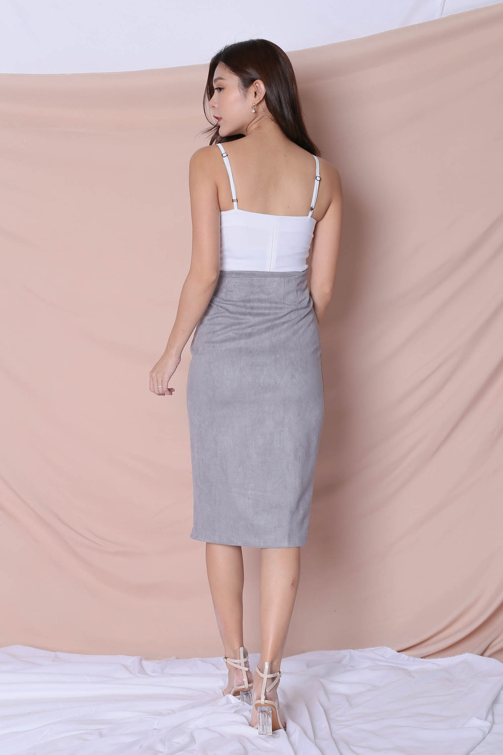 RAYLA SUEDE SKIRT IN GREY - TOPAZETTE