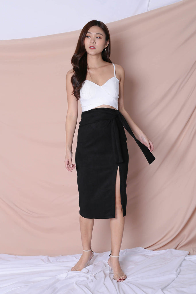 RAYLA SUEDE SKIRT IN BLACK