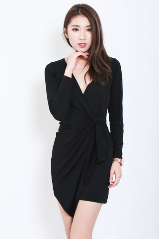 DRAPE WRAP DRESS IN BLACK - TOPAZETTE