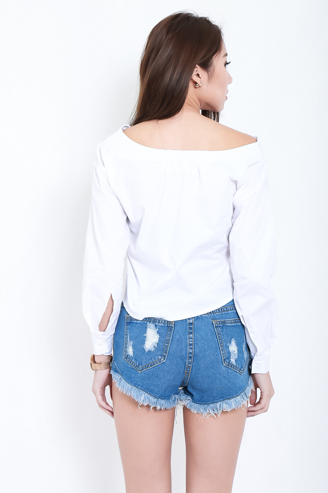 (RESTOCKED) OFF SHOULDER BUTTONED UP SHIRT IN WHITE - TOPAZETTE
