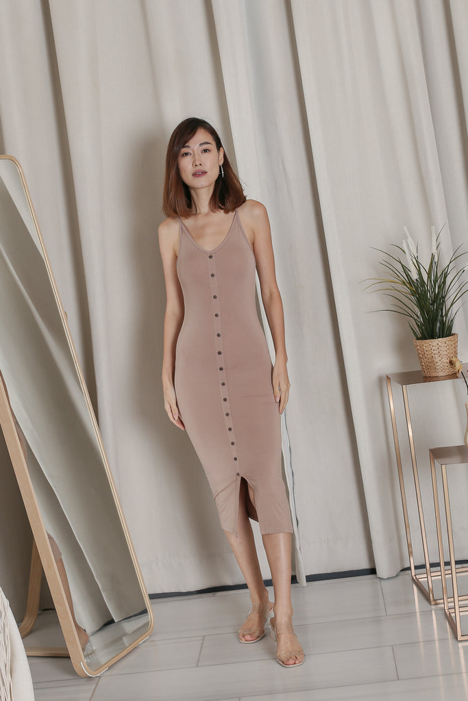 LISDY BUTTON DOWN MIDI DRESS IN TAUPE