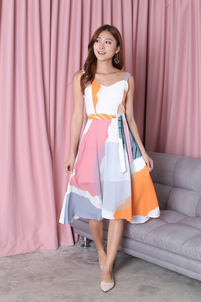 (PREMIUM) FERYN ABSTRACT SKATER DRESS (WHITE BASE) - TOPAZETTE