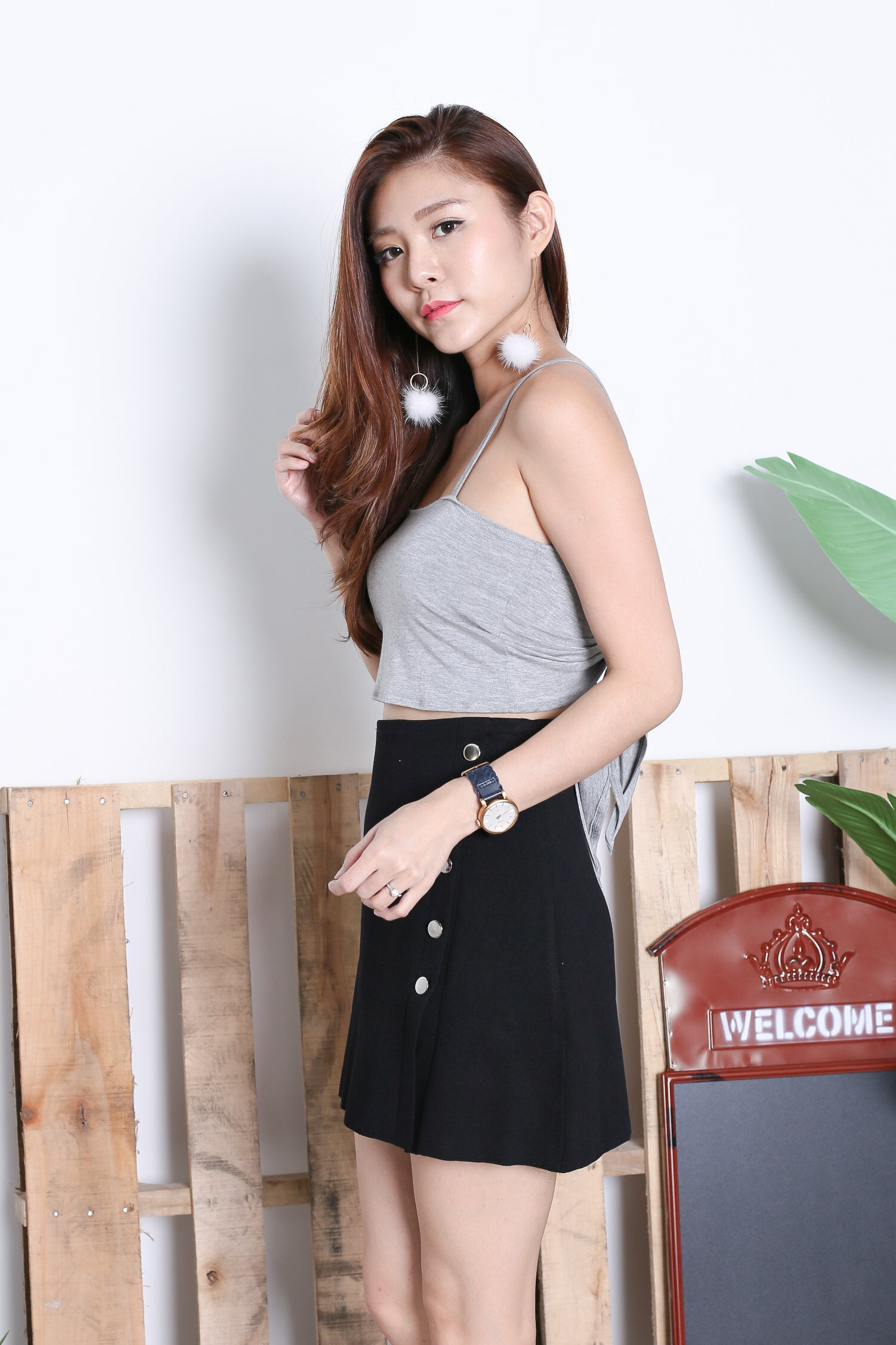 BASIC TWIST TWO WAY CROP TOP IN LIGHT GREY