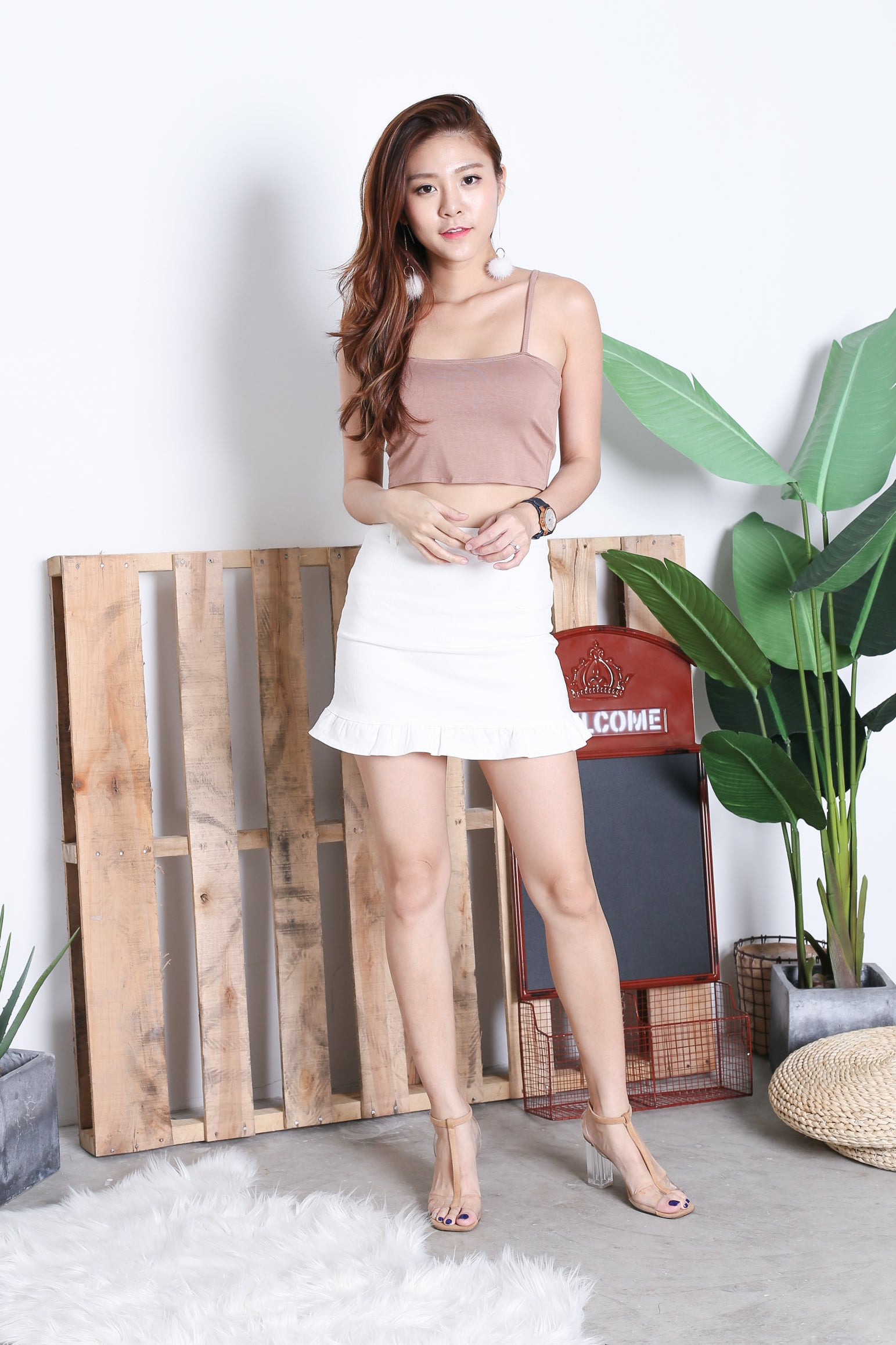 BASIC TWIST TWO WAY CROP TOP IN TAUPE