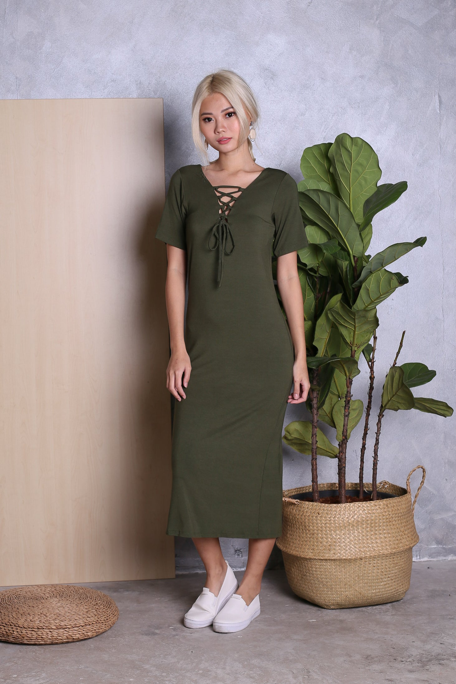 CADWELL REVERSIBLE LACE MIDI DRESS IN OLIVE