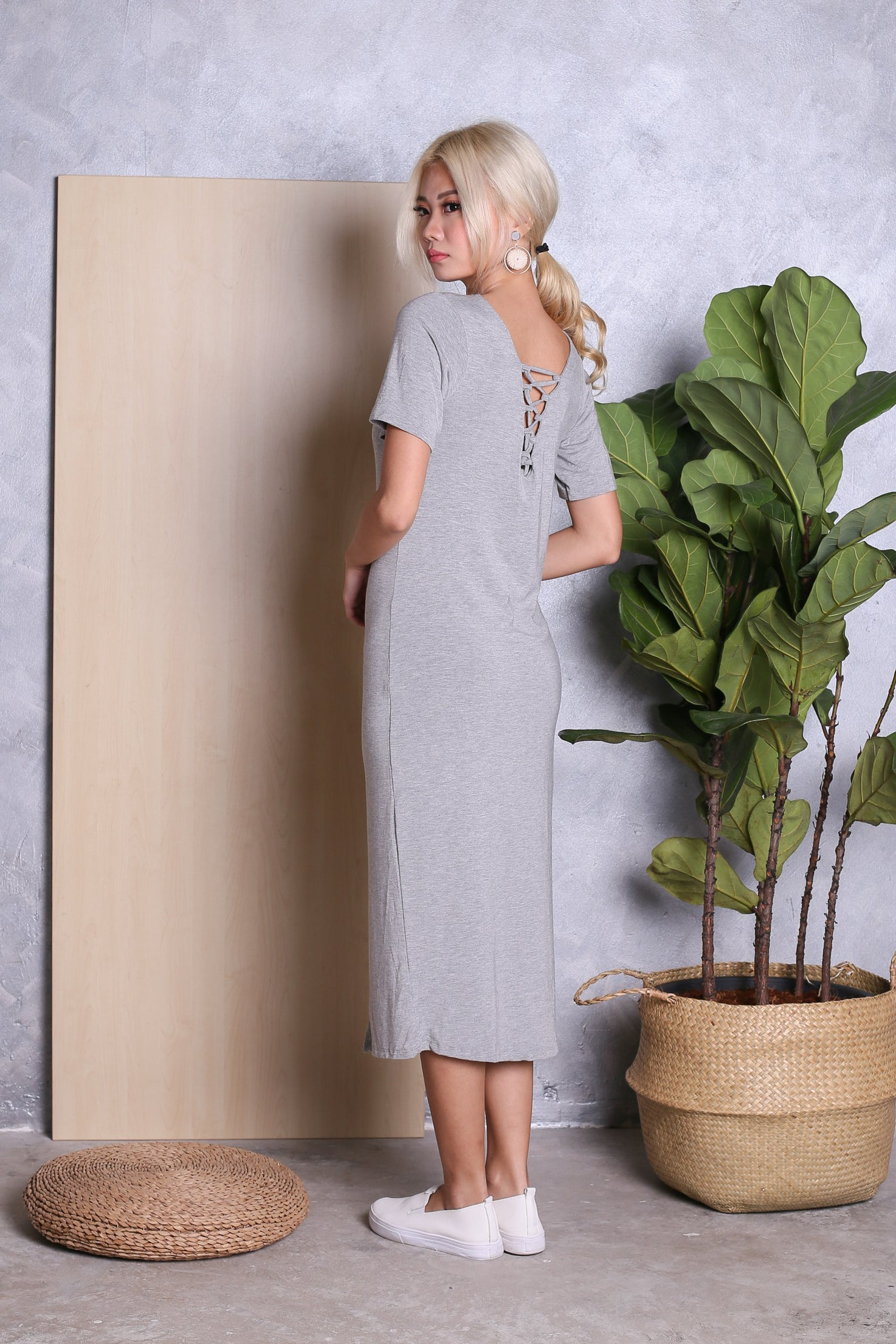 CADWELL REVERSIBLE LACE MIDI DRESS IN LIGHT GREY