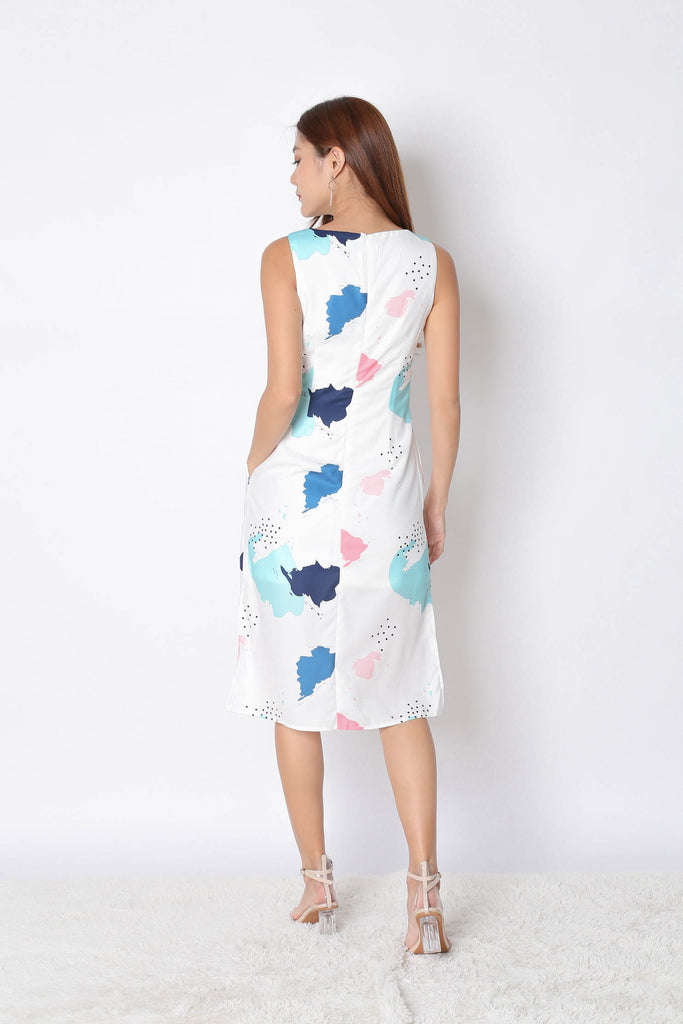 (PREMIUM) REVE ABSTRACT MIDI DRESS IN WHITE - TOPAZETTE
