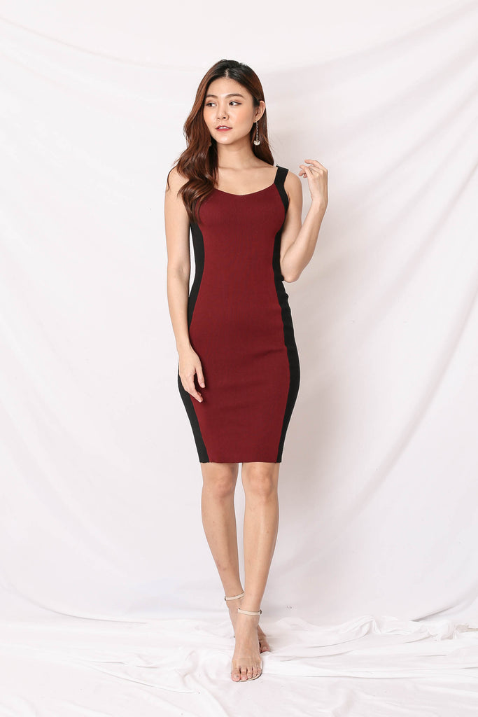 *BACKORDER* KNIT CONTRAST PANEL DRESS IN BURGUNDY/ BLACK
