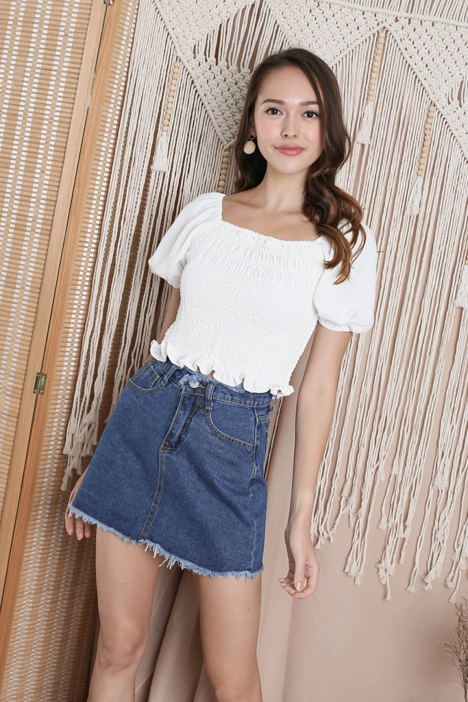CALISSA FRAY HEM DENIM SKIRT IN DARK WASH