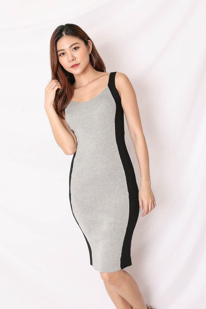 KNIT CONTRAST PANEL DRESS IN GREY/ BLACK