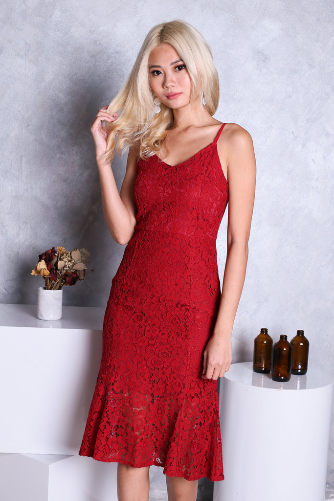 *RESTOCKED* (PREMIUM) *TOPAZ* TESS LACE MERMAID MIDI DRESS IN CRIMSON - TOPAZETTE