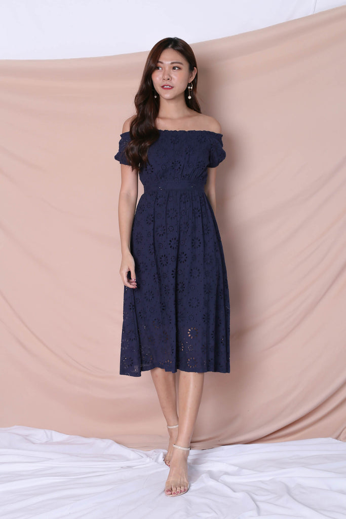*TPZ* (PREMIUM) YULA EYELET DRESS IN NAVY - TOPAZETTE