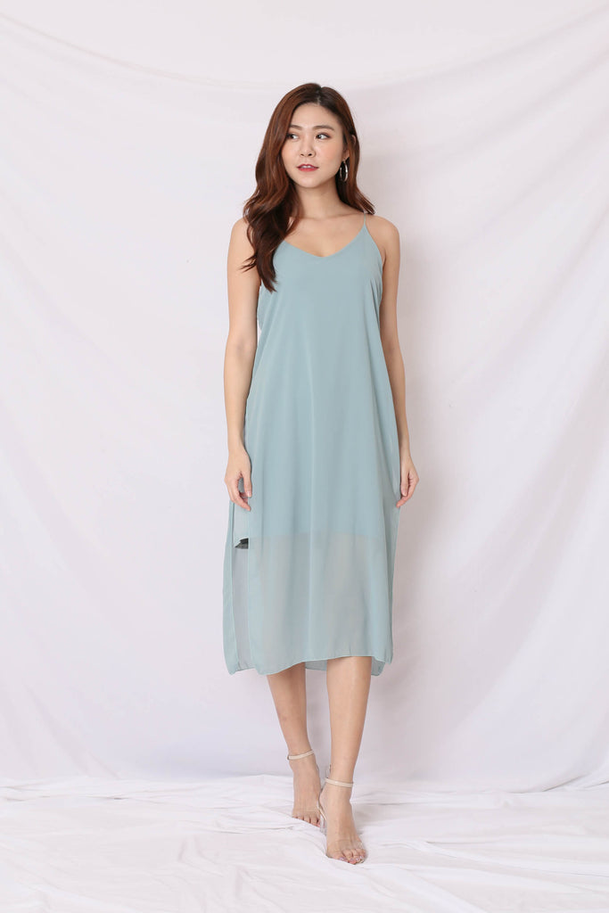 GEN BASIC DRESS IN DUSTY CYAN