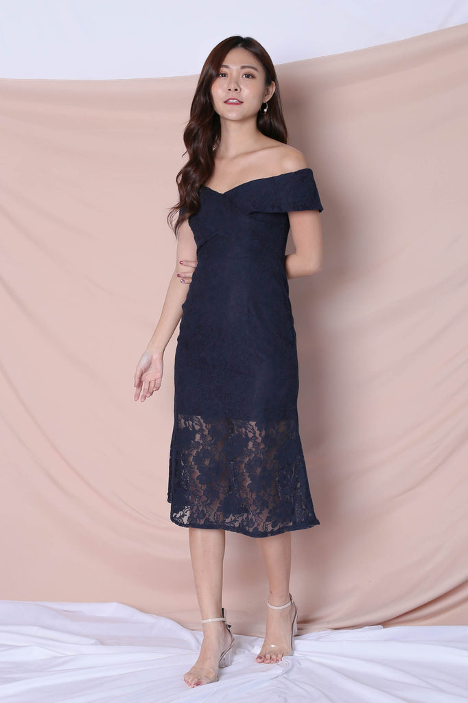 *TPZ* (PREMIUM) URSHA LACE OFF SHOULDER DRESS IN NAVY - TOPAZETTE