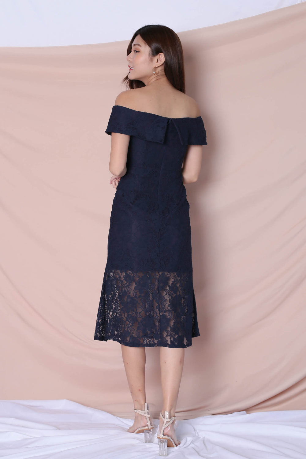 *TPZ* (PREMIUM) URSHA LACE OFF SHOULDER DRESS IN NAVY