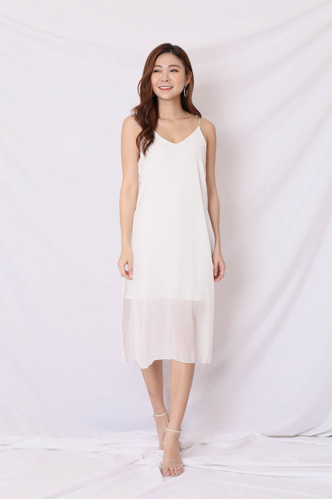 GEN BASIC DRESS IN WHITE