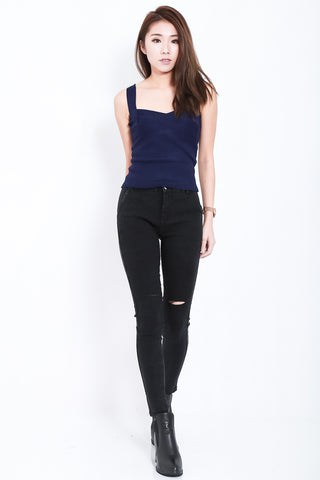 *RESTOCKED* STAY CLOSE SLIT JEGGINGS IN BLACK