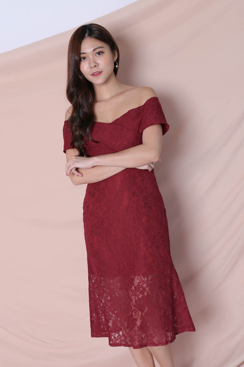 *TPZ* (PREMIUM) URSHA LACE OFF SHOULDER DRESS IN WINE