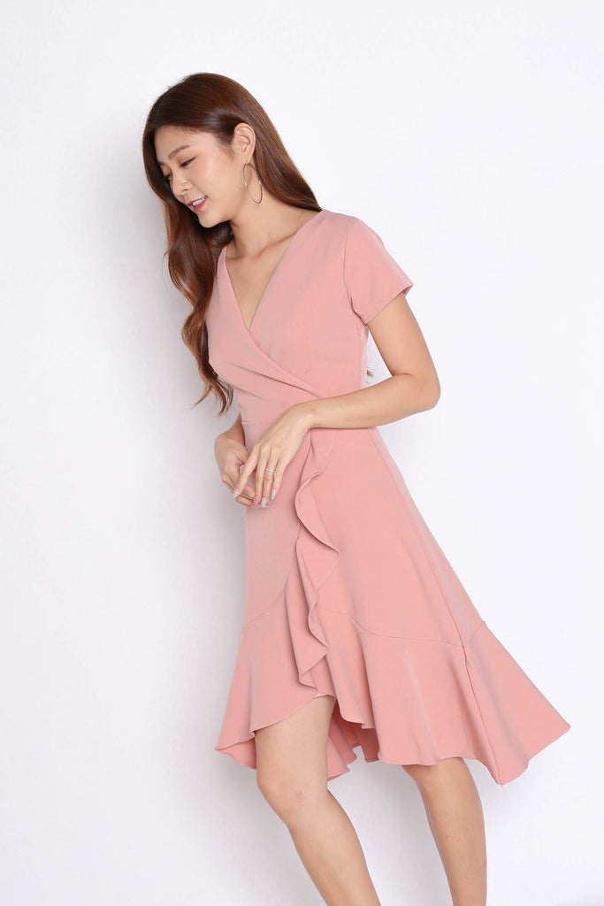 *TPZ* (PREMIUM) VELLA WRAP DRESS IN POWDER PINK - TOPAZETTE