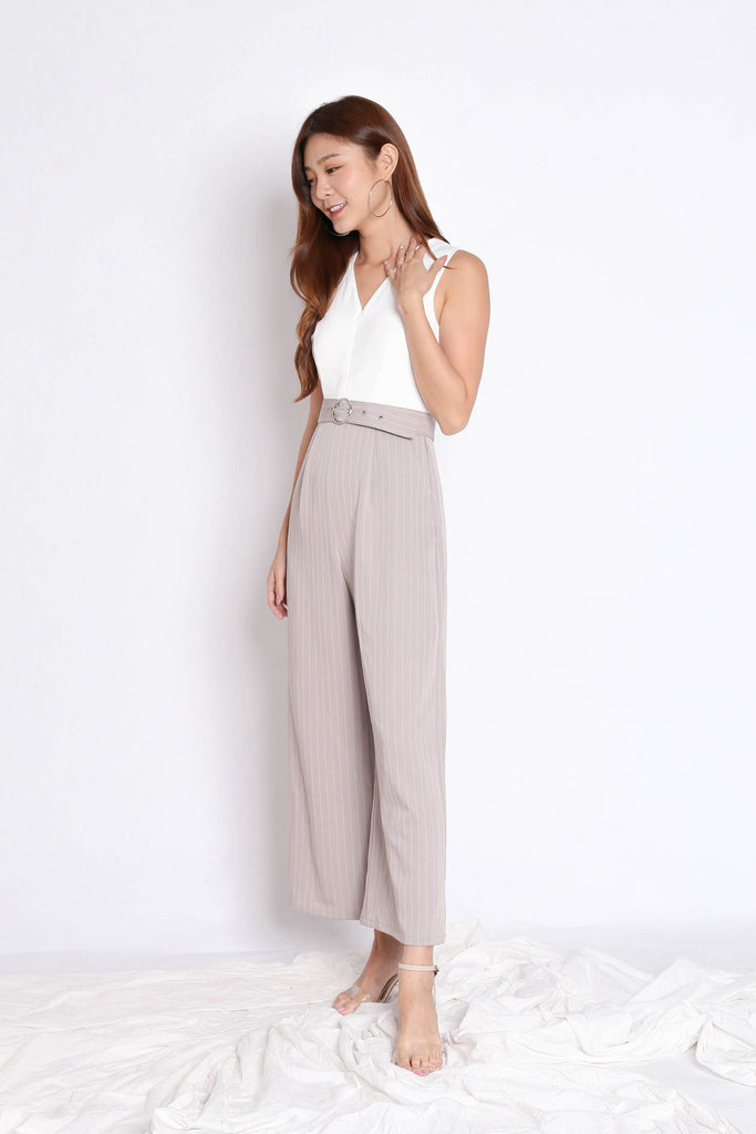 *TPZ* (PREMIUM) YOU GOT IT JUMPSUIT IN WHITE/ TAUPE - TOPAZETTE