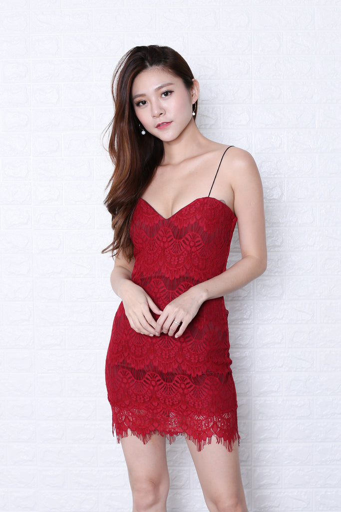 JOELLE LACE BODYCON DRESS IN WINE - TOPAZETTE