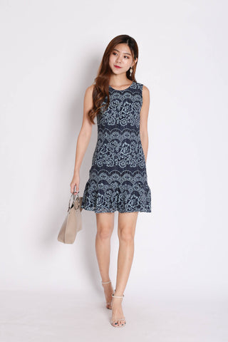 (PREMIUM) LEXI LACE DRESS IN BLUE