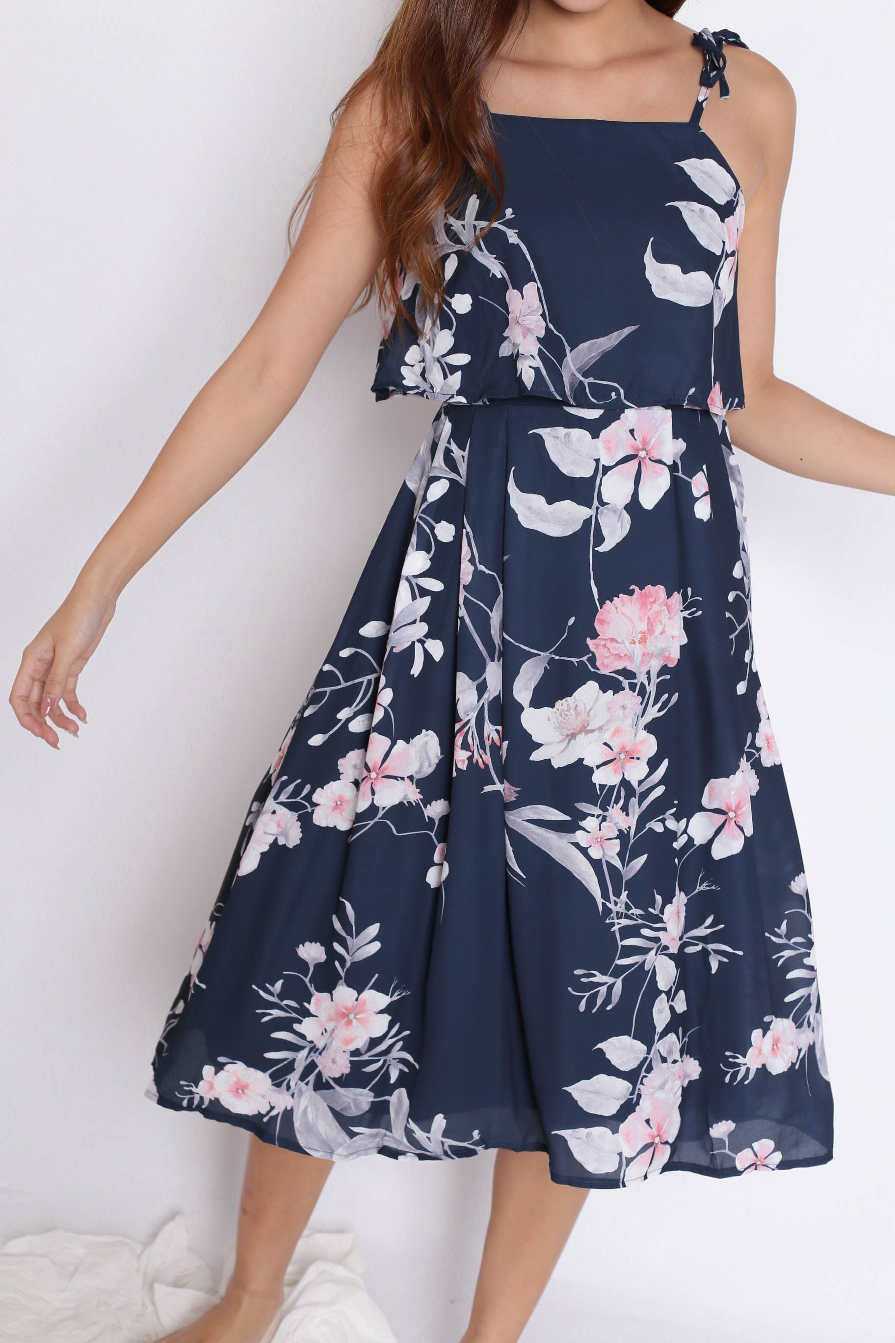 *TPZ* (PREMIUM) CARRIE TIE STRING RIBBON DRESS IN NAVY FLORALS