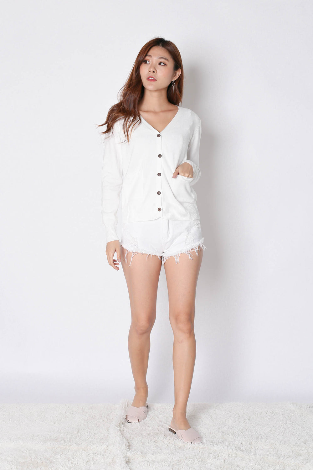 DULCE SOFT KNIT CARDIGAN IN WHITE