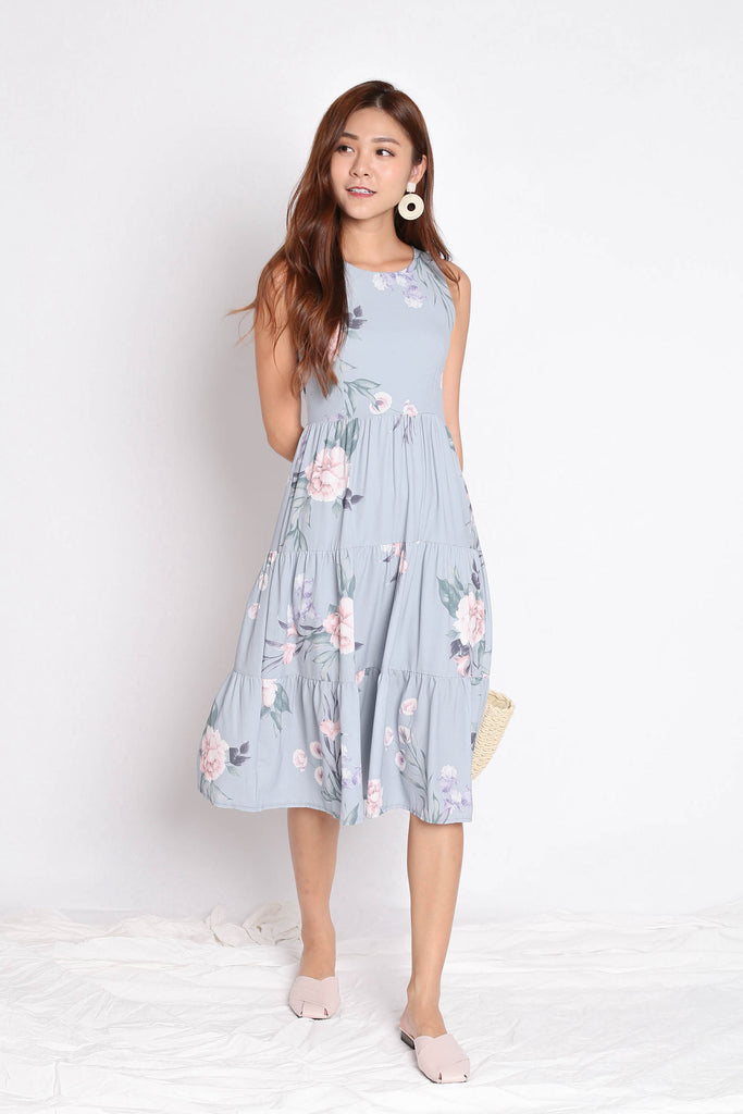 (PREMIUM) ARIANA TIER DRESS IN DUSTY BLUE FLORALS - TOPAZETTE