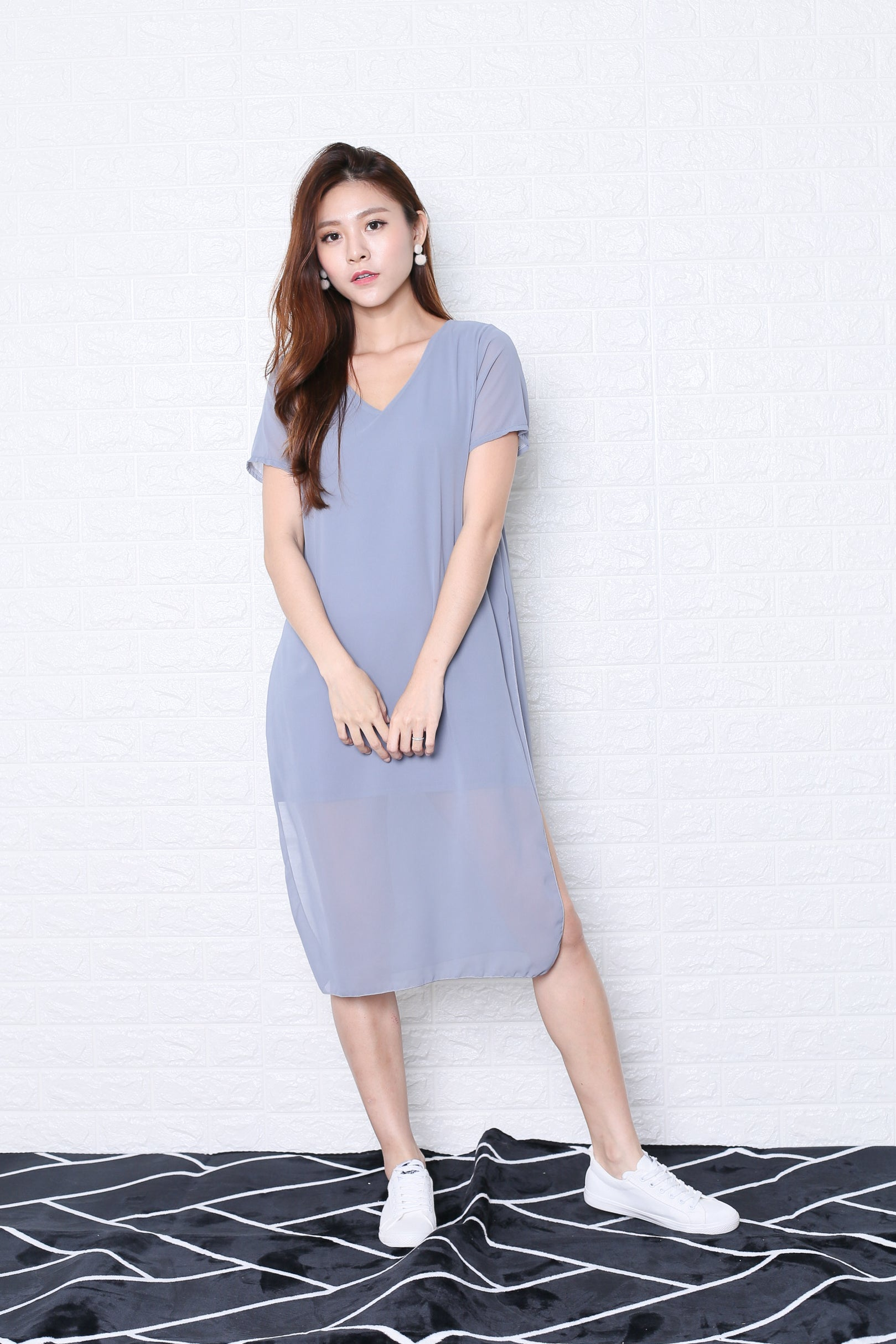 *BACKORDER* PEYTON CHIFFON OVERLAY DRESS IN GREY