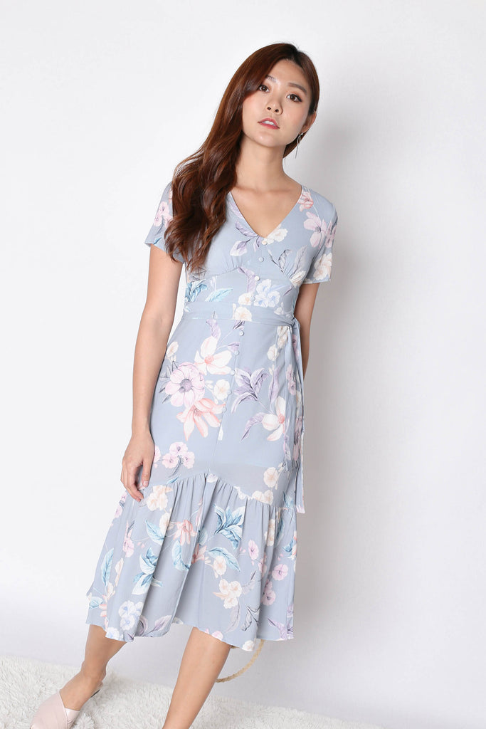 (PREMIUM) FELICE BUTTON DOWN DRESS IN DUSTY BLUE FLORALS - TOPAZETTE