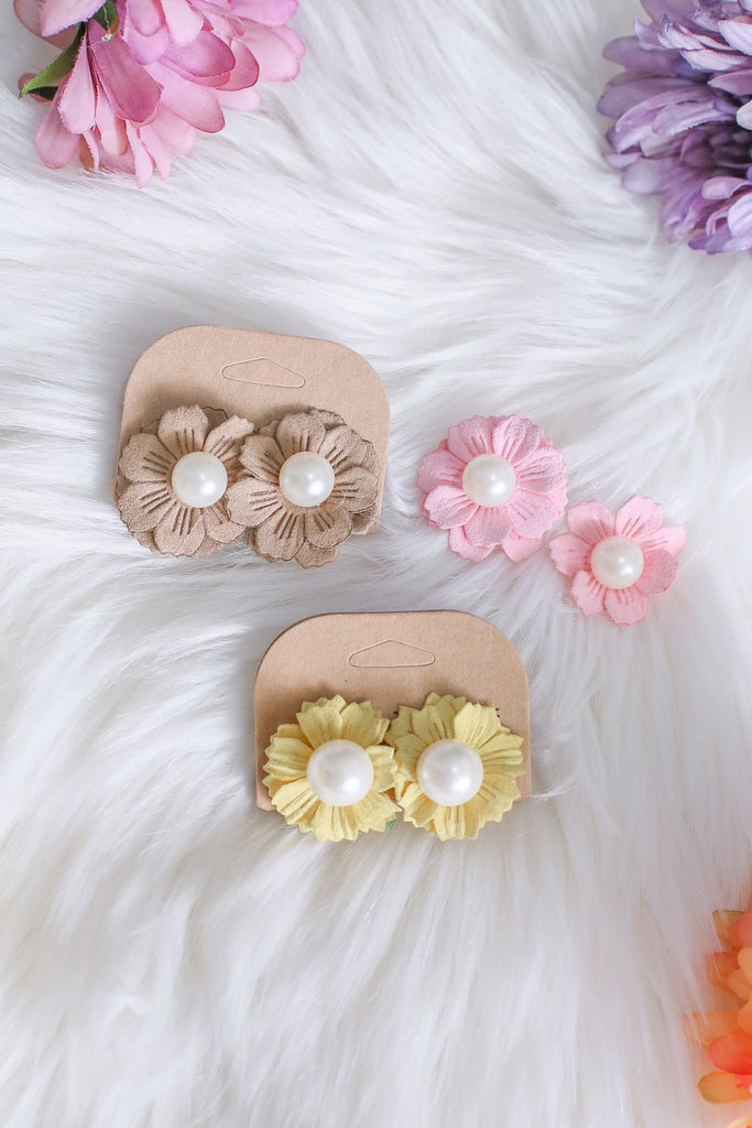 FLORAL NOVELTY EARRINGS