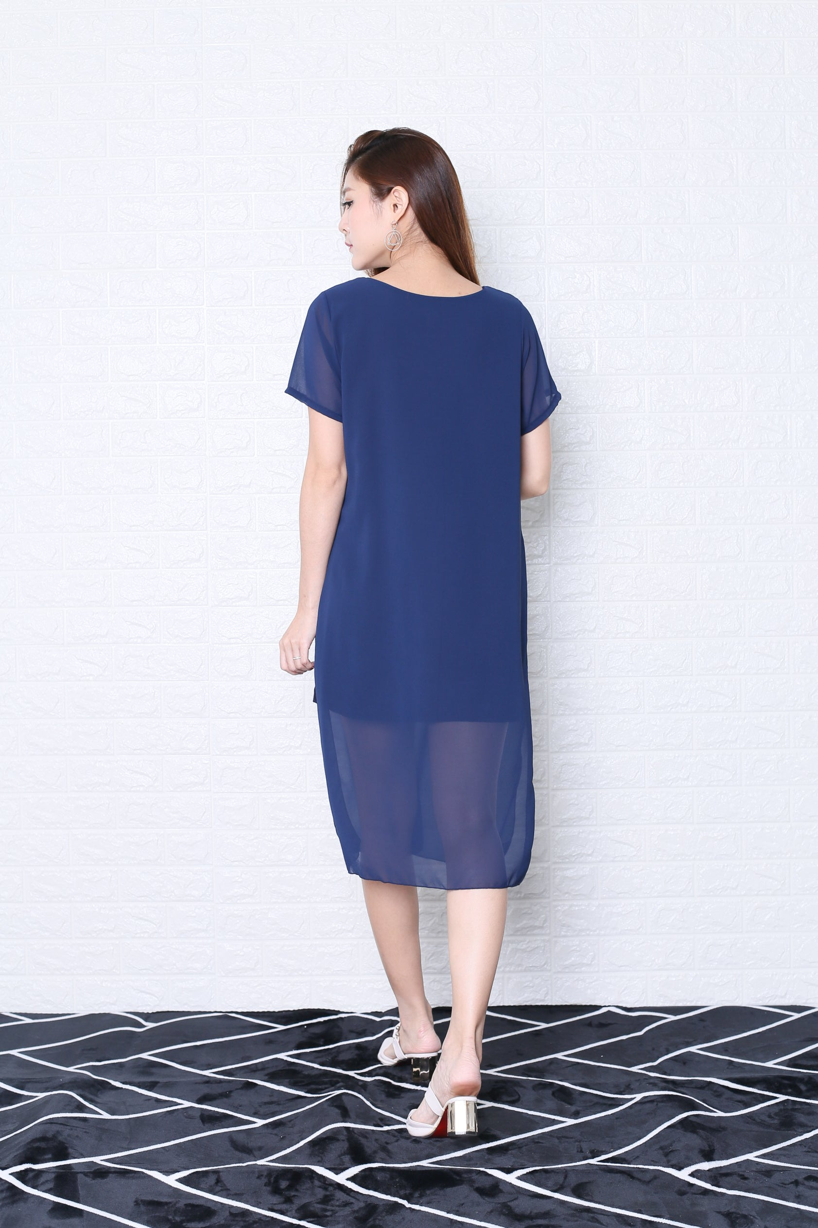 PEYTON CHIFFON OVERLAY DRESS IN NAVY