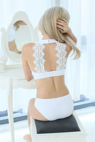 SPORTY BACK LACE BIKINI TOP IN WHITE - TOPAZETTE