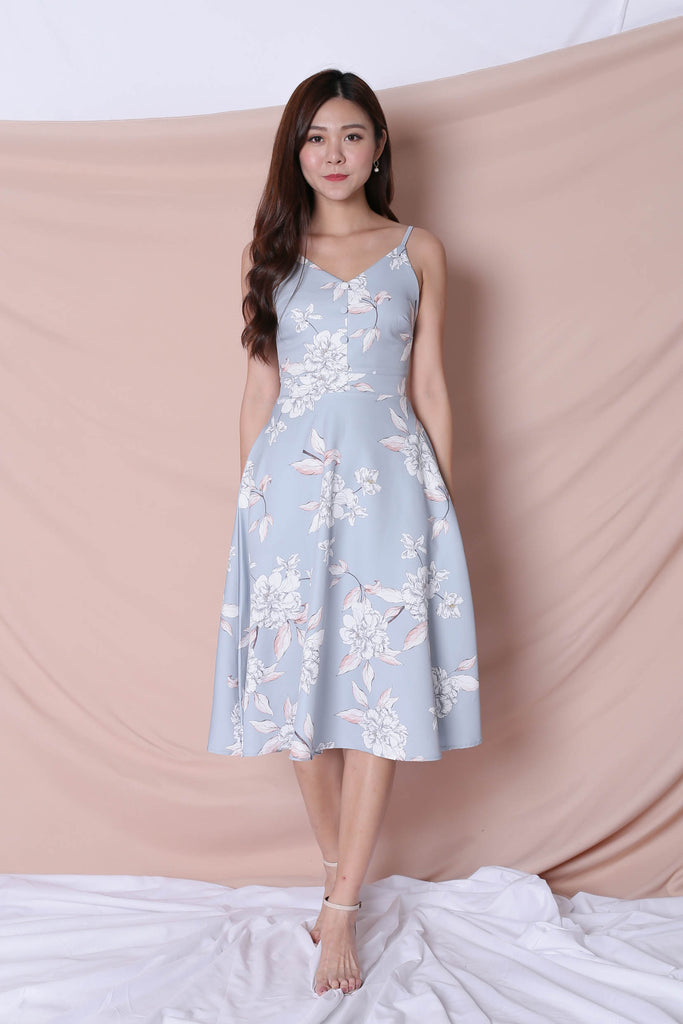 *TPZ* (PREMIUM) SELVIA DRESS IN DUSTY BLUE FLORALS - TOPAZETTE