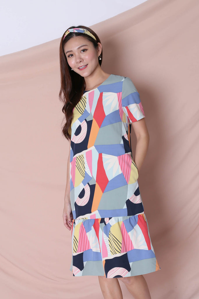 (PREMIUM) THE COLOURFUL ABSTRACT DROP WAIST DRESS (VERSION 1) BLUE/ PINK - TOPAZETTE