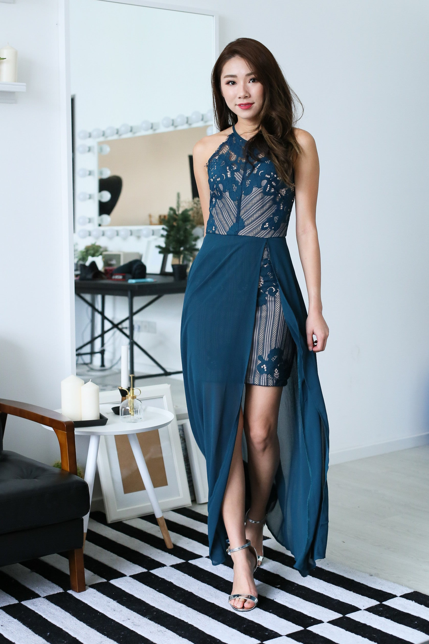 (PREMIUM) RUNWAY LACE MAXI DRESS IN TEAL - TOPAZETTE