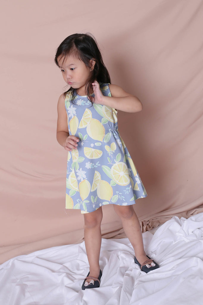 *LITTLE TOPAZETTE* LEMON SQUEEZY TRAPEZE DRESS IN BLUE