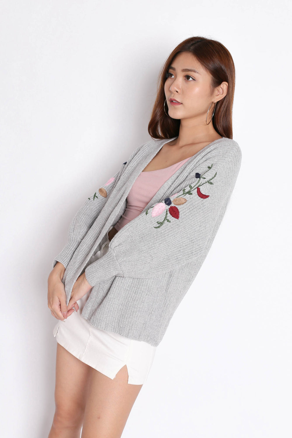 ALIZ EMBROIDERY CARDIGAN IN GREY