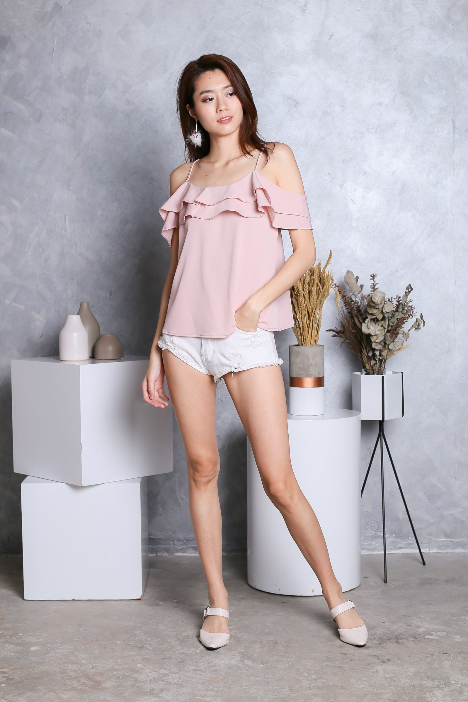 *RESTOCKED* AYLIN RUFFLED 2 WAY TOP IN DUSTY PINK