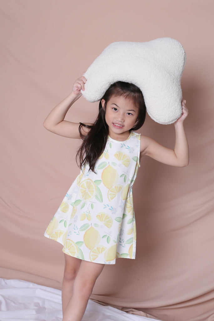 *LITTLE TOPAZETTE* LEMON SQUEEZY TRAPEZE DRESS IN WHITE - TOPAZETTE