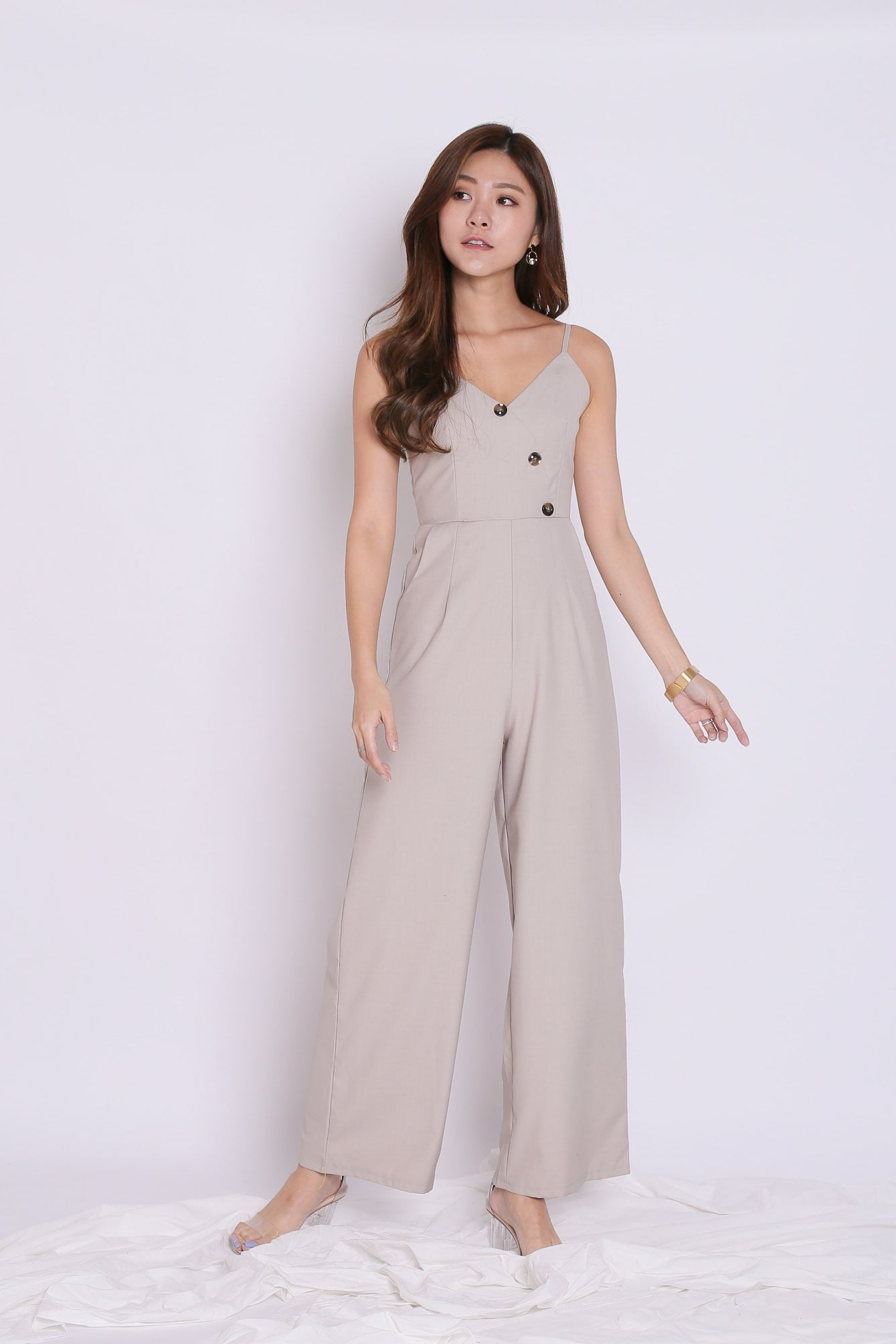 (PREMIUM) ZYAN JUMPSUIT IN LIGHT KHAKI