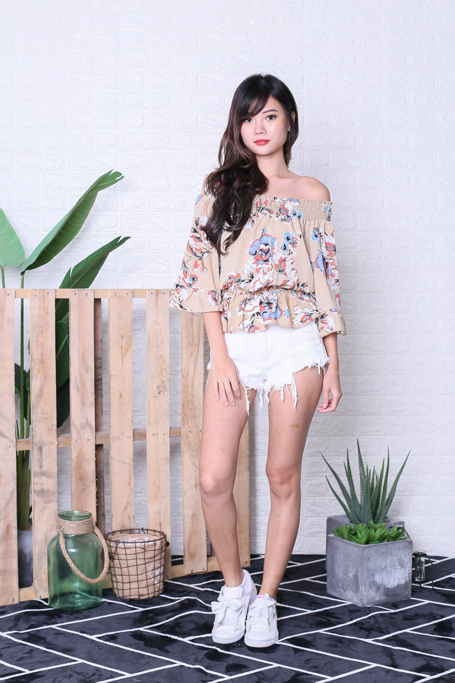 GRELA FLORAL SMOCKED TOP IN NUDE