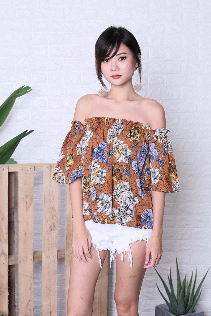 FLORIN ABSTRACT FLORAL TOP IN CARAMEL - TOPAZETTE