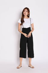 XYNN JUMPER DUNGAREE SET IN BLACK