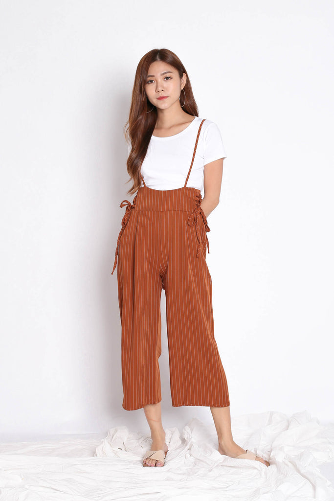 PINSTRIPES DUNGAREE SET IN CAMEL