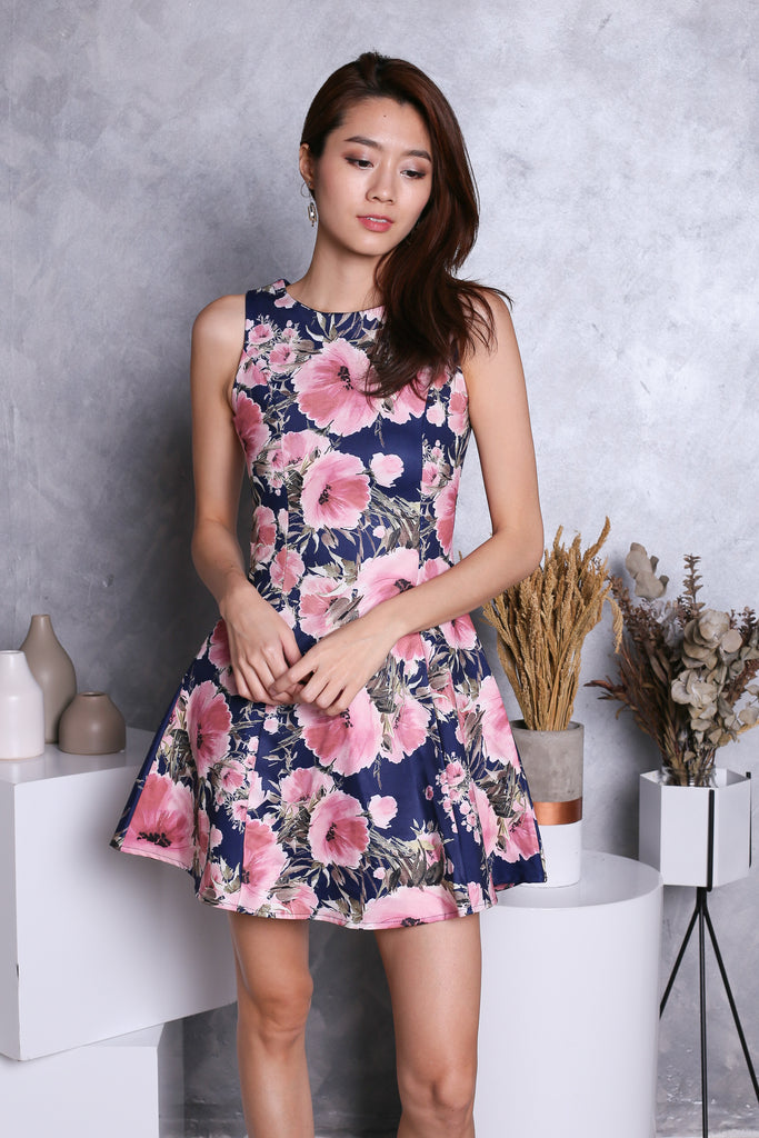 *TOPAZ* (PREMIUM) CHEYENNE FLORAL DRESS IN NAVY - TOPAZETTE