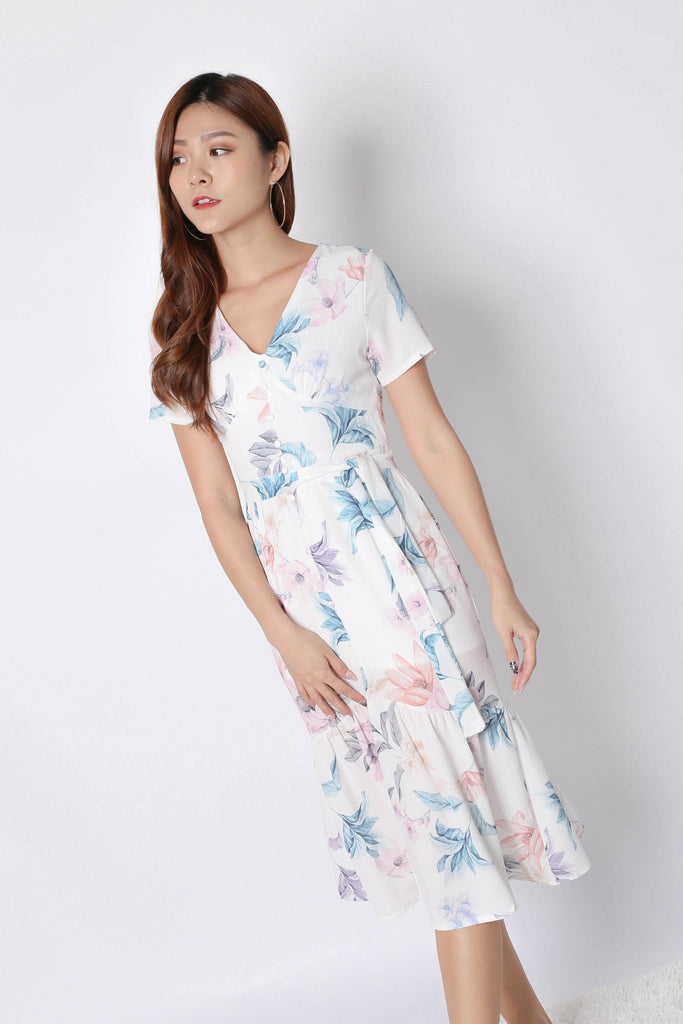 (PREMIUM) FELICE BUTTON DOWN DRESS IN WHITE FLORALS - TOPAZETTE